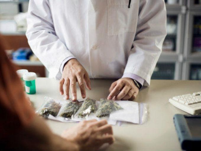 Farmacia con cannabis medicinal