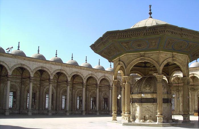 Patio de la Mezquita de Alabastro