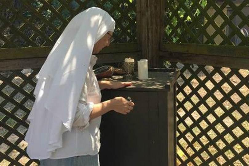 Algunas monjas, como la hermana Kate, consumen aceite de cannabis. Foto: Archivo / BBC WORLD SERVICE