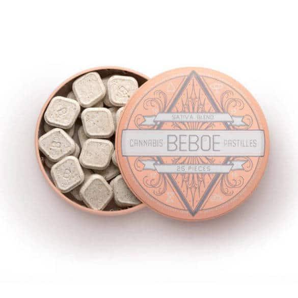 Una caja de la marca Beboe.