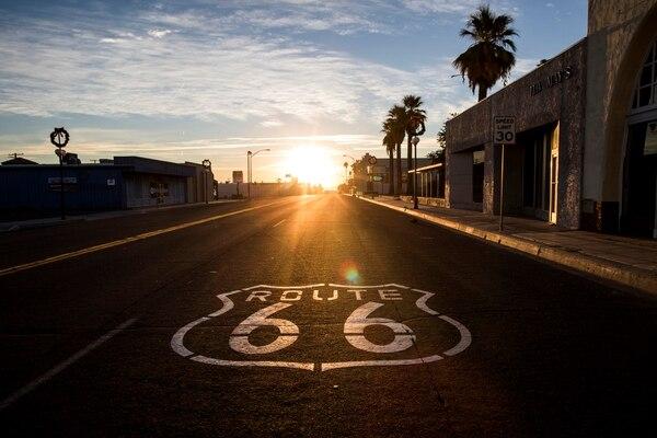 Si Needles, California, suena conocido, es por un motivo. La histórica Ruta 66, la carretera que tomaban los habitantes del sur de California para dirigirse al oeste durante el siglo XX, atraviesa la ciudad. (Joe Buglewicz/The New York Times)