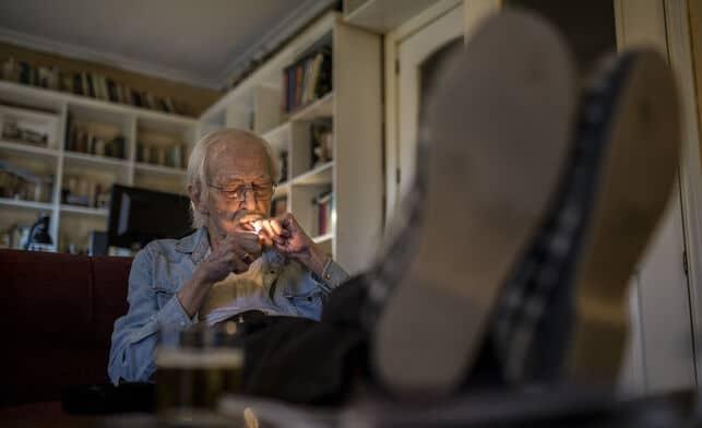 Antonio Escohotado durante la entrevista para el monográfico 'La revolución de la marihuana'