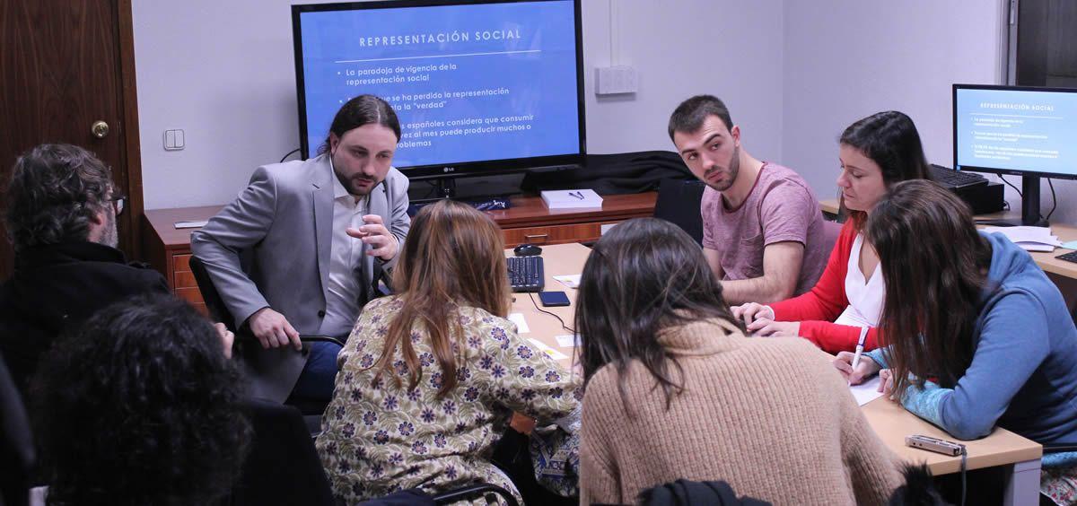 El psicólogo social e investigador David Pere Martínez Oró, director técnico de Episteme, durante la presentación del estudio. (Foto. ConSalud)