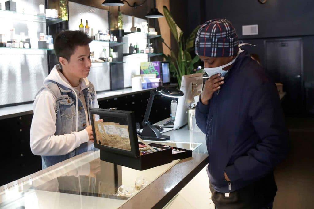 """Carola Pérez: """"A los pacientes el cannabis nos da un hilo para agarrarnos a la vida"""" 3"""