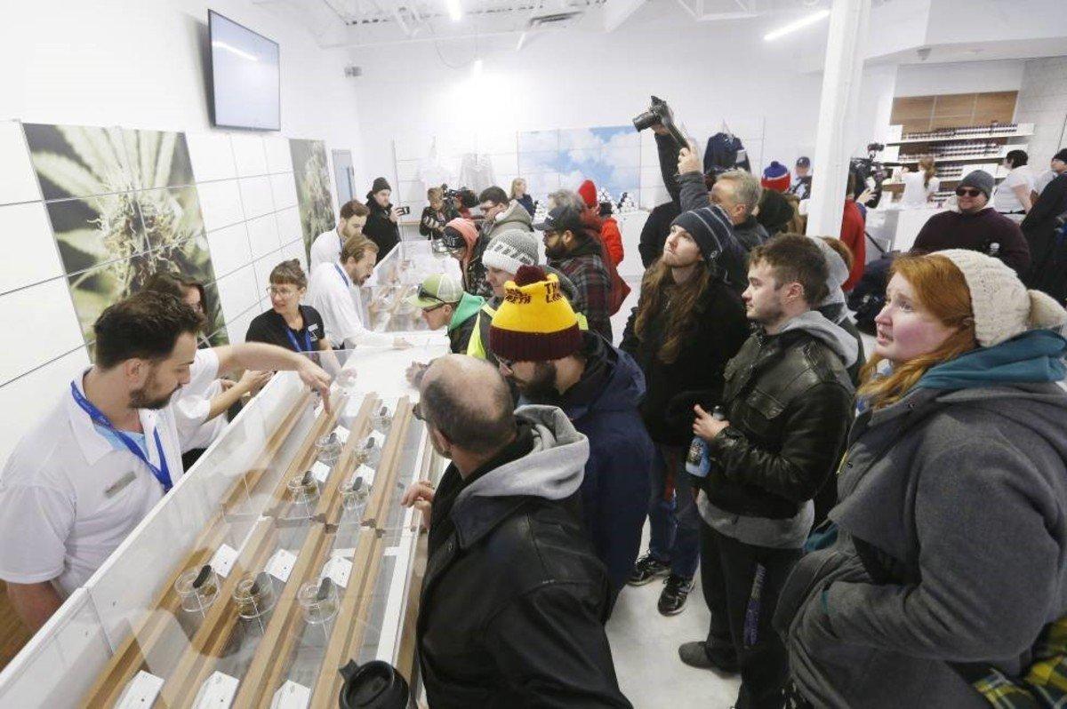 Las tiendas de venta de cannabis aseguran haber implementado medidas para evitar la propagación del coronavirus entre sus clientes.