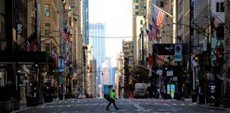 Nueva York suma 2.373 muertes de COVID-19 y lucha con la escasez de respiradores