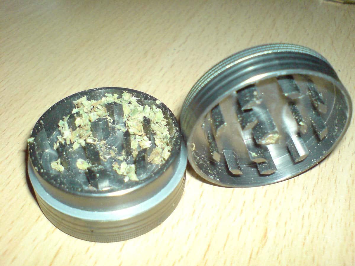 grinder metálico